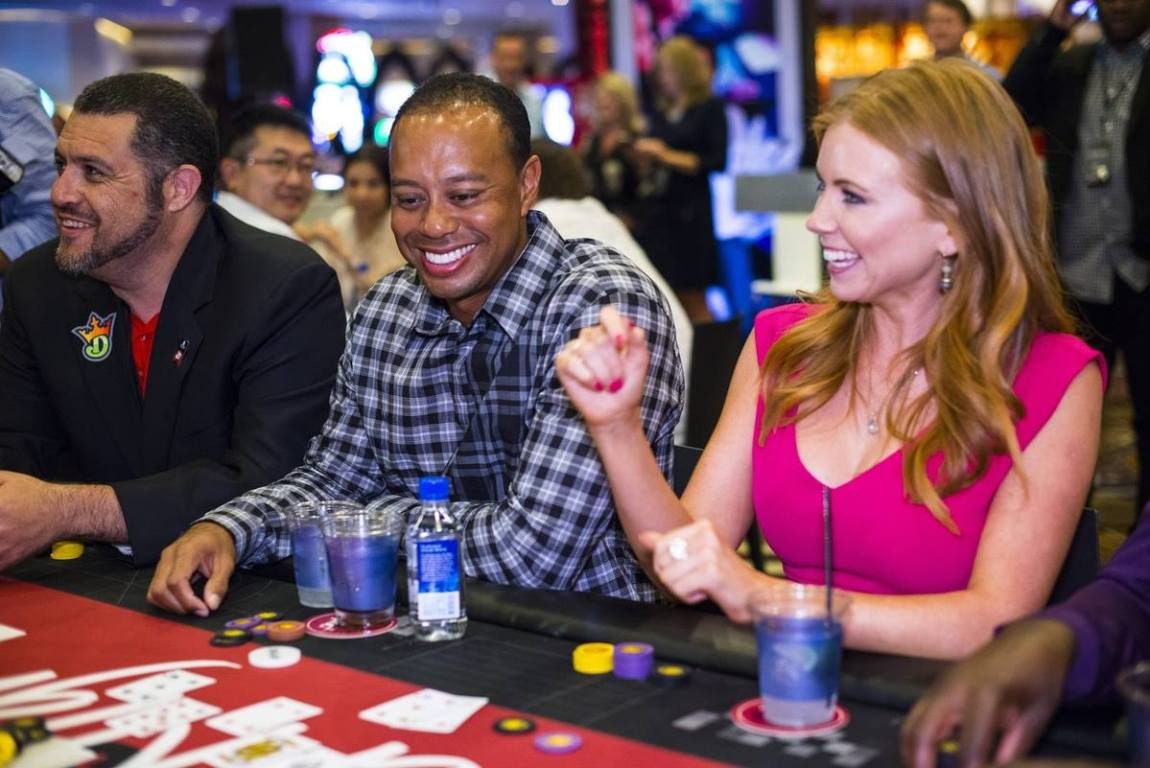 Tiger's Poker Night - Tiger Woods and Lynn Gilmartin