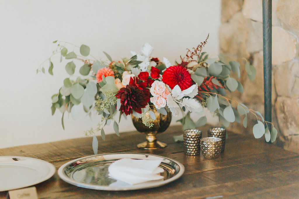 Hilltop Luxury, flowers by LynnVale Studios, Hay Alexandra Photography
