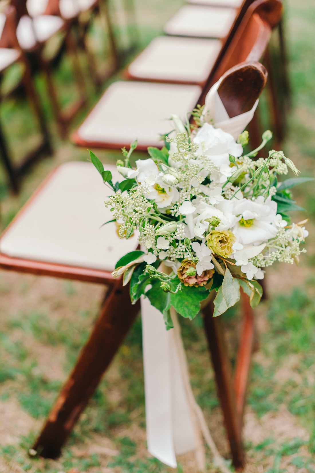 Garden Party Wedding, flowers by LynnVale Studios, photo by Rebekah Murray
