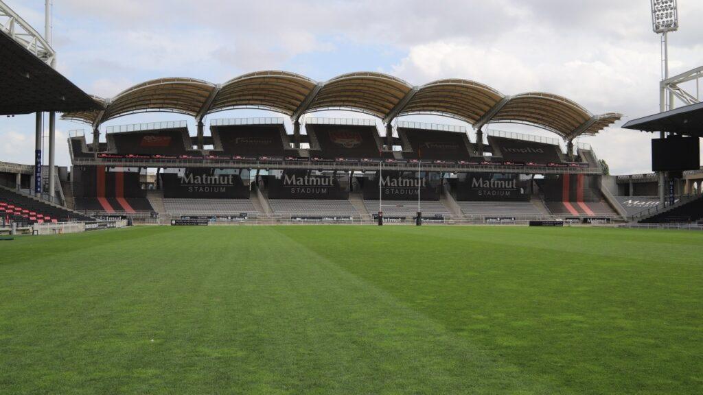 LOU Rugby : la pelouse du Matmut Stadium de Gerland est à vendre !