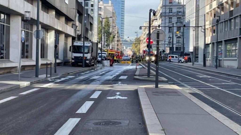 Fuite d'acide sulfurique à la Part-Dieu :  aucune pollution selon la Métropole de Lyon