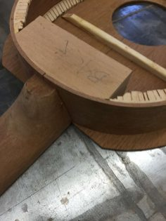 neck joint and hand-kerfed basswood linings