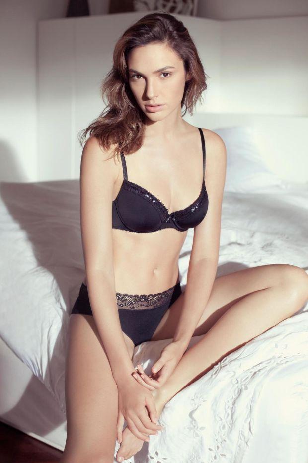 gal-gadot-sexy-22