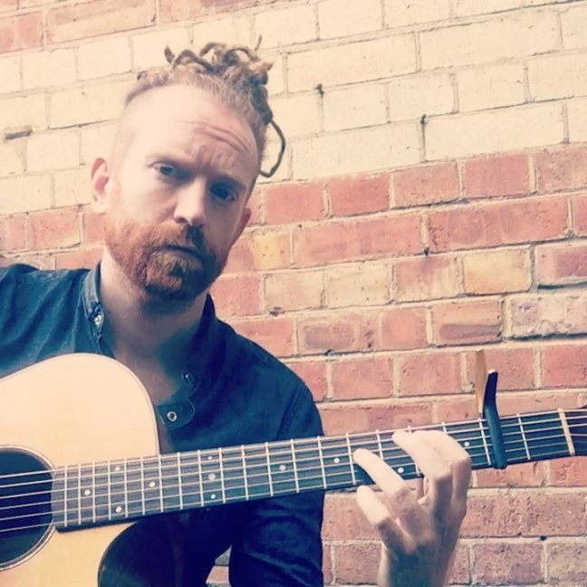 Newton Faulkner – Hit the Ground Running