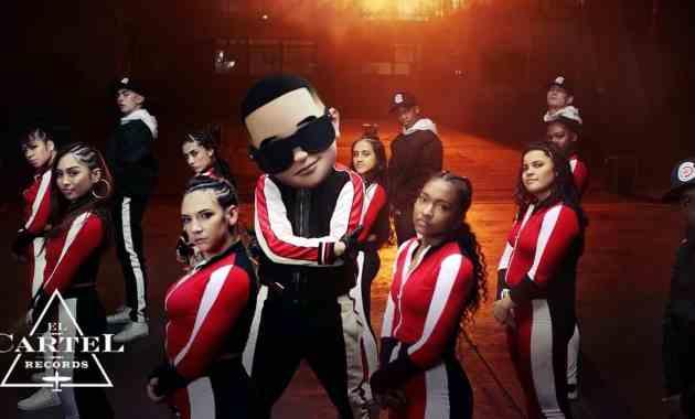 Daddy Yankee & Snow – Con Calma Lyrics