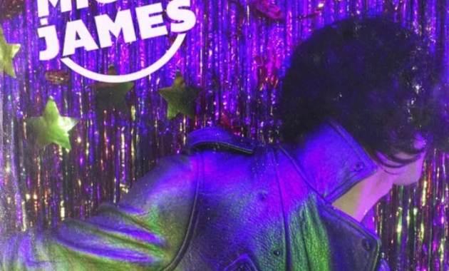 Micky James - Walk The Line Lyrics