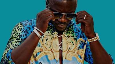 Akon - Como No Lyrics