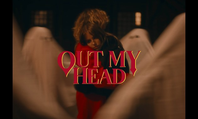 Felly - Out my Head Lyrics