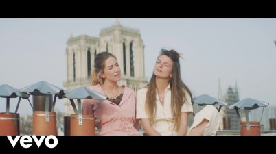 Les Frangines - Notre-Dame Lyrics