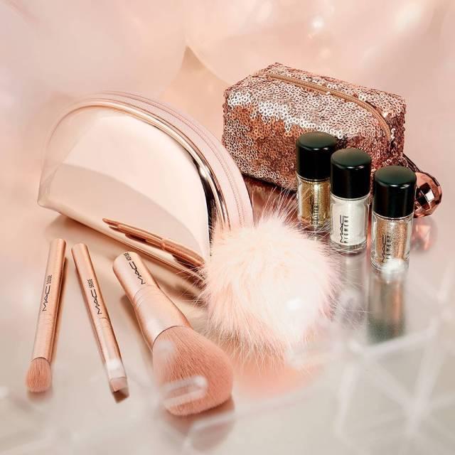 MAC Cosmetics Snowball