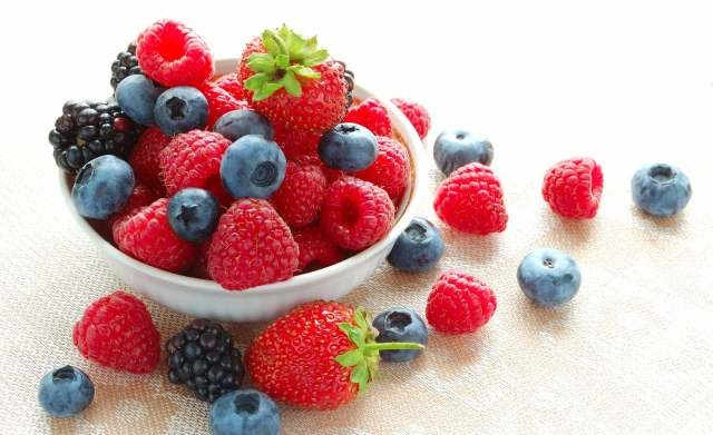 Healthy Skin Diet | The Best And Worst Foods For Your Skin Lysa Africa Magazine Acai Berry Berries