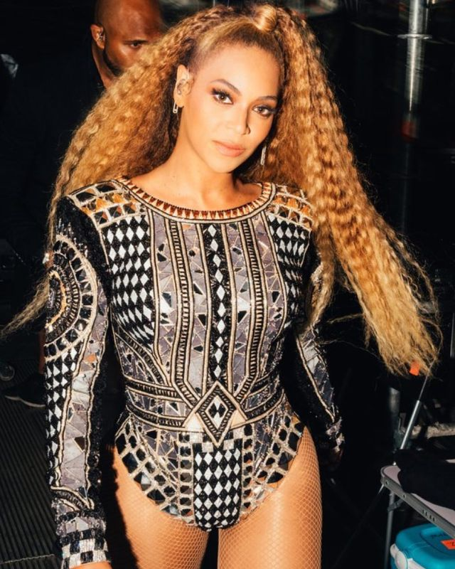 Stage Fashion In Another Kind Of Way | Bey's Way Beyonce Stage Fashion On The Run Tour II Lysa Africa Magazine