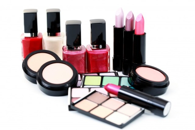 Secrets The Beauty Industry Does Not Want You To Know Lysa Africa Magazine Nail Polosh