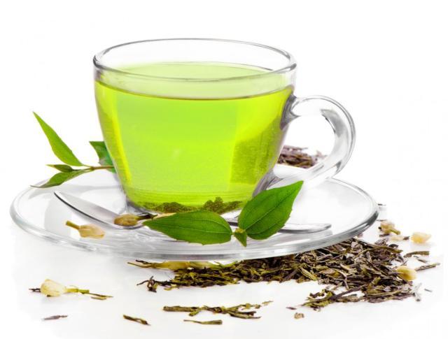 Beauty Hacks | Drink Your Way to Clear Skin - Lysa Magazine green tea