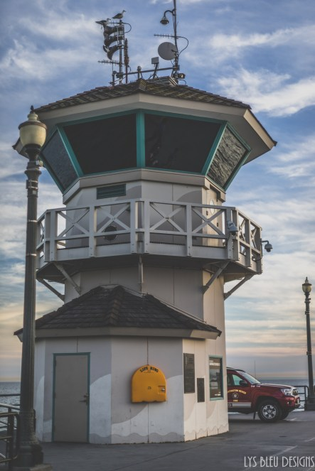 lifeguard tower huntington beach