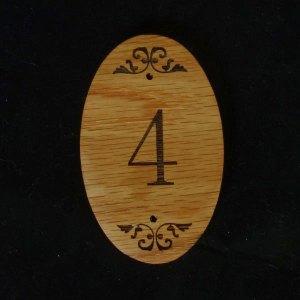 ύλινο ταμπελάκι αρίθμησης δωματίων