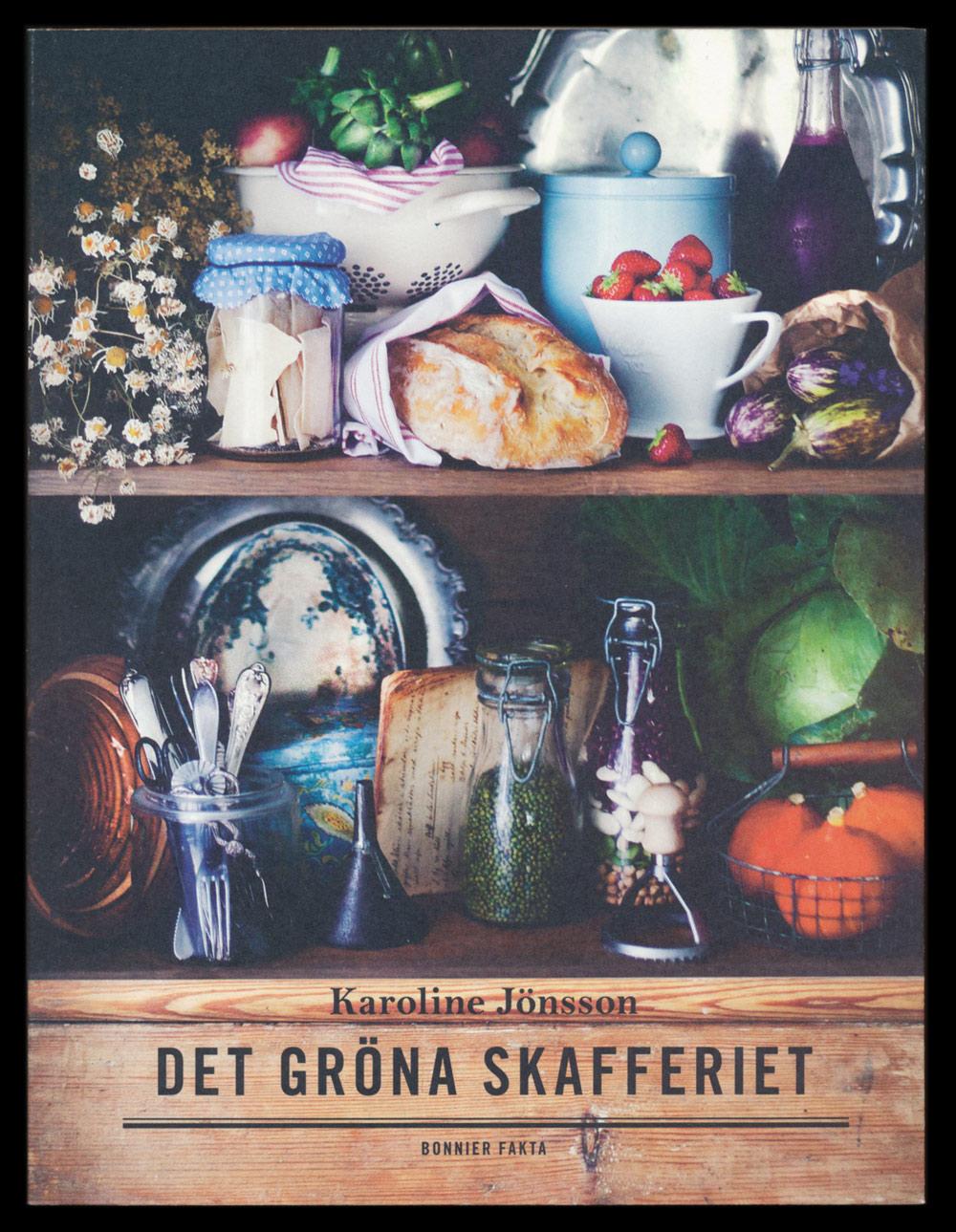 Det gröna skafferiet är skriven av Karoline Jönsson är en vegetarisk kokbok