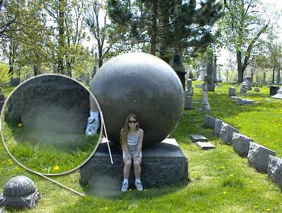 5 Scary Pictures With Ghosts In Cemeteries 2013 Pics