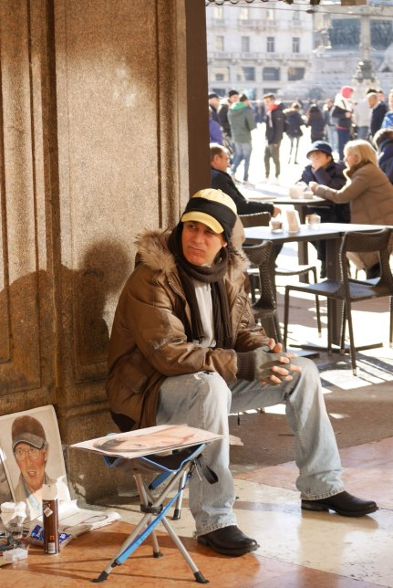 Getting around Duomo di Milano