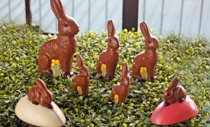 SPREAD 'EASTER JOY!' WITH THE MANILA HOTEL'S MYSTERY EGG