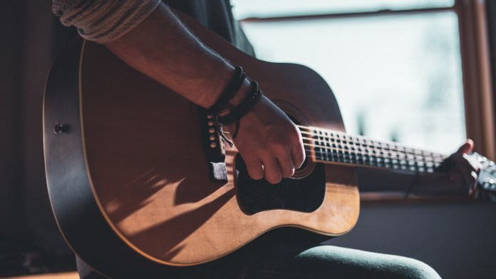 With a new feature added yesterday, Google Search becomes a guitar player's  best friend - PhoneArena