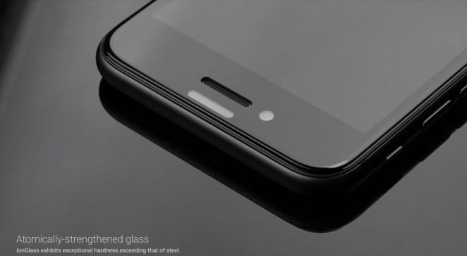 İPhone SE 2020 için Moshi IonGlass koruyucu - En iyi Apple iPhone SE 2020 kılıfları ve ekran koruyucuları