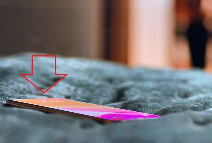 Notchless iPhone 13 appears on latest Ted Lasso episode - Notchless iPhone 13 5G model appears on Ted Lasso episode