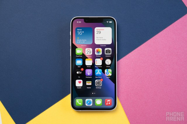 I switched from big Android phones to the iPhone 13 mini: Any regrets?