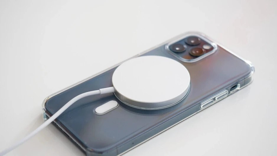 iphone 13 with magsafe charger