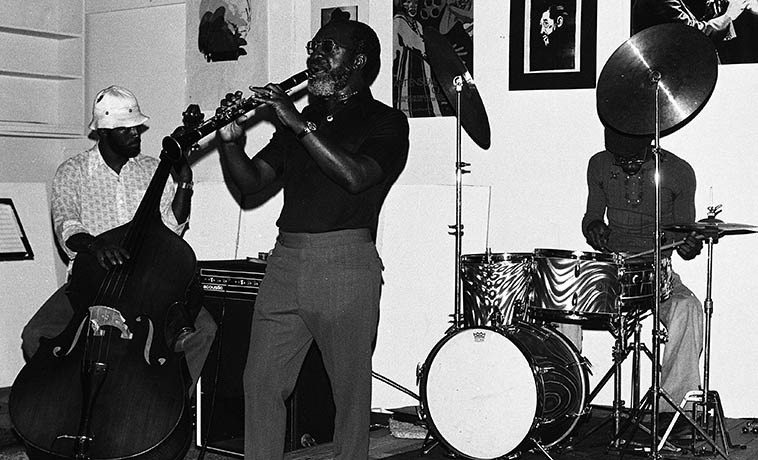 John Carter Ensemble ----- October 24, 1976 at The Little Big Horn, Pasadena, California -- Stanley Carter, bass; William Jeffrey, drumset; John  Carter, clarinet ---- photo by Mark Weber