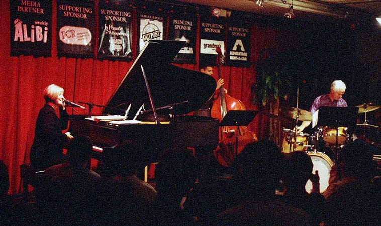Dena DeRose in trio formation with Michael Zisman, bass, and local drummer Andy Poling -- August 18, 1997 -- photo by Mark Weber