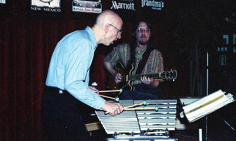 Chris Allen on his Musser vibraphone and Lewis Winn on his 1958 Gibson ES-335TD -- May 1, 1998 Outpost Performance Space, Albuquerque -- photo by Mark Weber