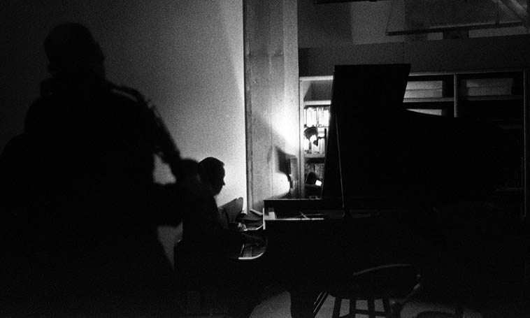 This session is at Connie's studio in Williamsburg after we had spent all afternoon at Sal's in Mt Vernon, riding the train up & back, and she still played all night -- December 4, 2004 -- photo by Mark Weber (that's Richard Tabnik on alto saxophone)