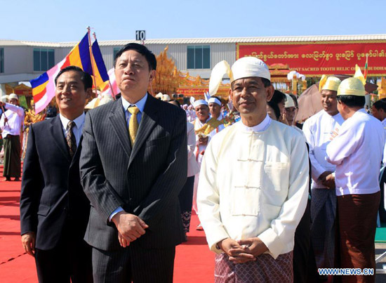 Photo-Mandalay Region Chief Minister U Ye Myint (R, front) and Consul-General Yu Boren (L, front) photo-www.news.cn.