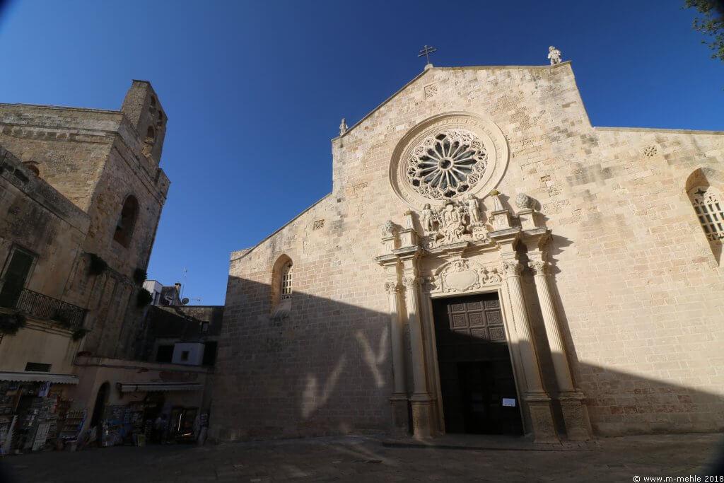 Fassade der Kathedrale Santa Annunziata