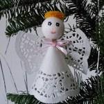 クリスマスオーナメントの天使を手作り ペーパーレースナプキンで簡単!