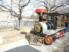 大阪城の汽車