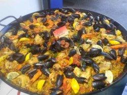 poêllon de paella au poulet -M- Traiteur Toulon