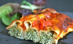 cannellonis - brousse - épinards - sauce tomates - gratinés - plaque ardoise -