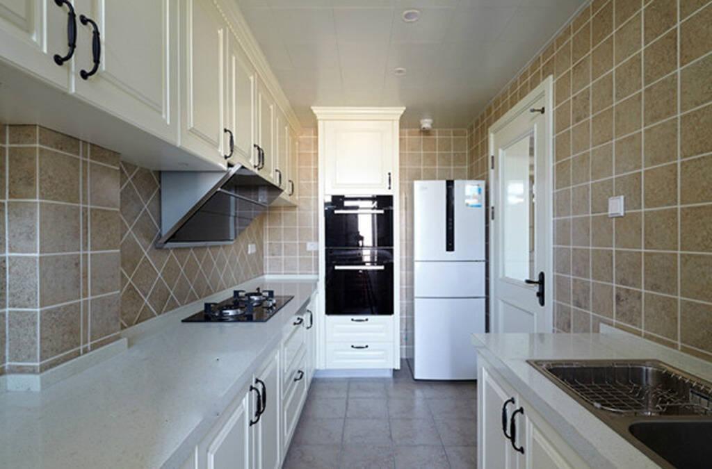 compact kitchens kitchen lighting led under cabinet 小厨房空间拥有它 让你享受变大的感觉 京东 一方面 还贷压力小 另一方面面积大小够住 室内打理起来也方便省事 但是 随之而来的问题是 冰箱什么的放进厨房之后 本来就有点紧凑的厨房空间就更加有限了