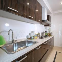 Grey Kitchen Countertops Blue Chairs 厨房台面我喜欢灰色的 整体效果会更加简约自然 整体效果