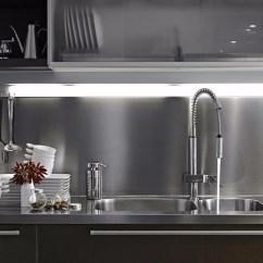 New Kitchen Sink Complete 厨房水槽选对了 清理后才能干净如新 京东 现在市面上的水槽从表面看 其材质和工艺都难以分辨出好坏 可实际上材质与施工工艺直接影响着水槽的质量 厨房水槽在居家生活位置很重要 若是质量不好 对居家生活有