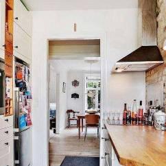 Small Kitchens Building Kitchen Cabinets 小厨房大变身 学会收纳轻松腾出大空间 京东 厨房是家庭里重要的地方 如果厨房不花心思去装修 会显得杂乱无章 但是厨房小 怎么利用更多的空间 才能让各个地方物尽其用呢