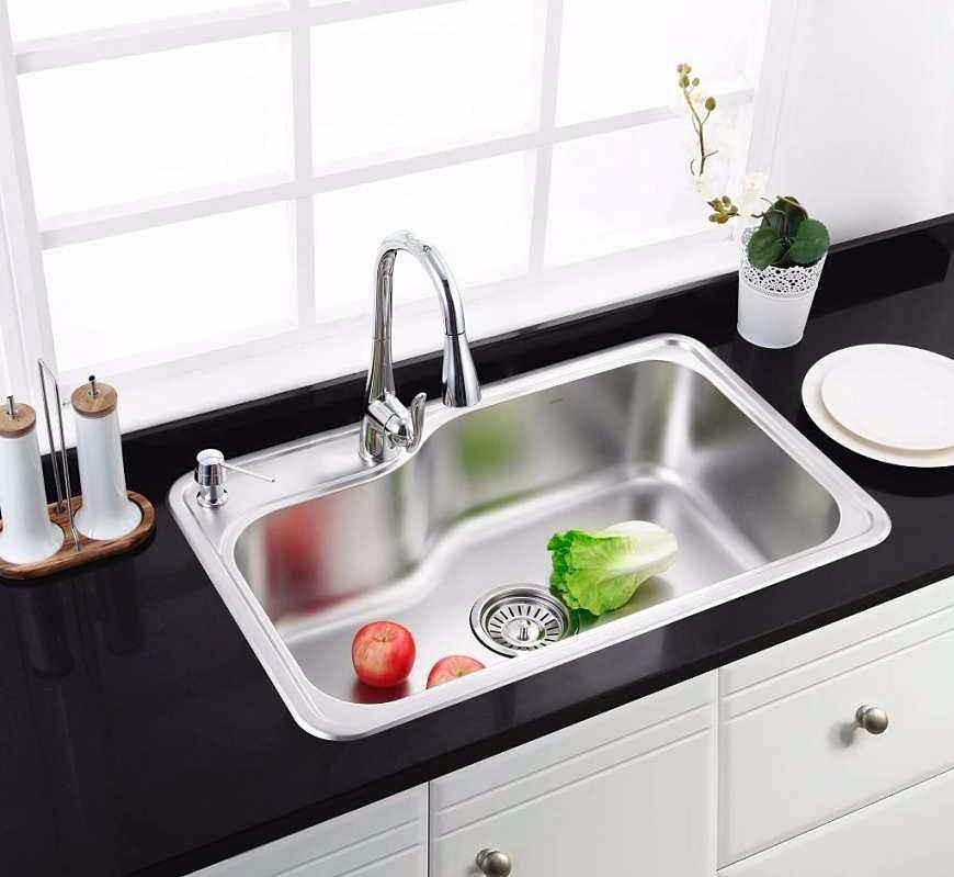 cheap kitchen sinks country style tables 厨房水槽选单槽好还是双槽好 哪种更胜一筹 京东 单槽价格便宜 同样的安装空间里 单槽可以获得更大的使用空间 就是说在台面上开同样大的孔 单槽盆的使用空间比双槽大 另外单槽只有一个下水 下水管路比双槽简单