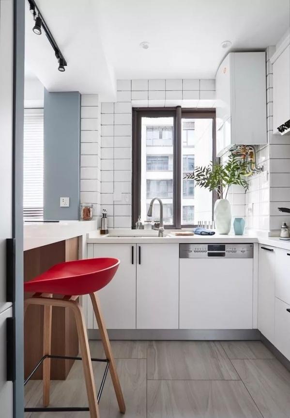 ceramic tile kitchen sink with faucet 厨房瓷砖装修效果图看看如何用小花砖装饰厨房 京东 瓷砖花砖