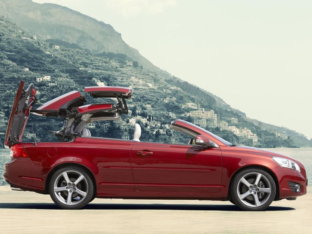 medium resolution of volvo c70 convertible 2009 2013 mk 1 facelift review auto trader uk