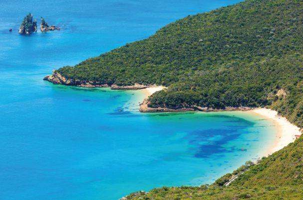 Európa 12 legkedveltebb tengerpartja - Praia dos Galapinhos, Setubal, Portugália