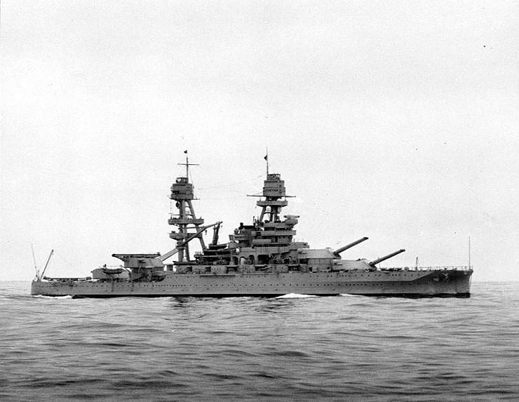 USS_Arizona_1930s_02.jpg
