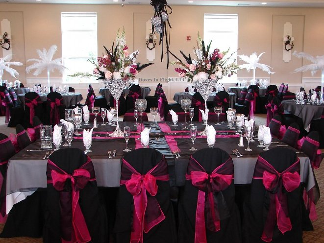 purple chair sashes for weddings high chairs canada reviews black or white - avagy esküvő feketében weddingfactory