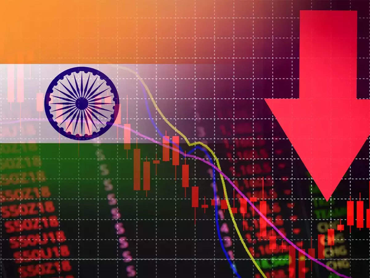 india news: Indian economy in deep trouble: S&P - The Economic Times